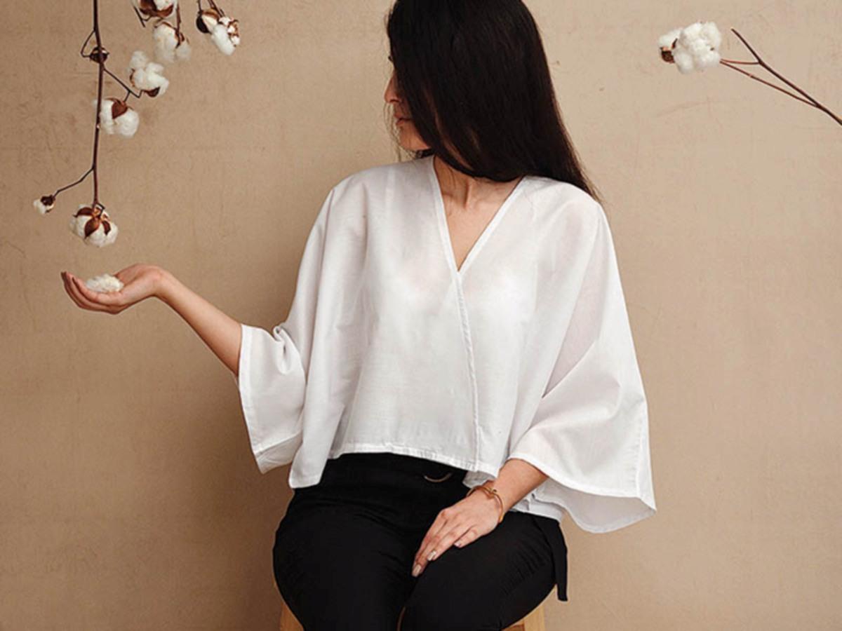 PADANAN hitam dan putih mampu menonjolkan gaya sederhana, tetapi menonjol.